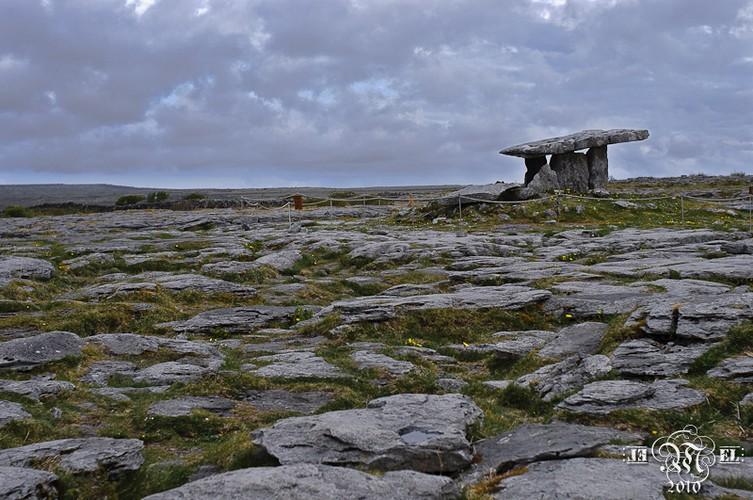 Dolmen de Poulnabrone.